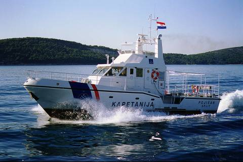 Search and rescue vessels